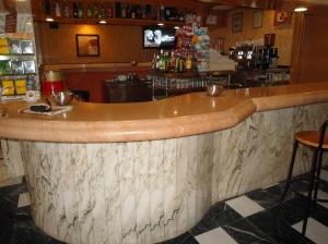 barra de bar en mármol