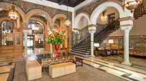 hotel Alfonso XIII Sevilla columnas marmol 1