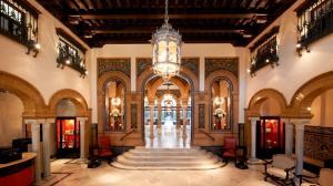 hotel Alfonso XIII Sevilla columnas marmol