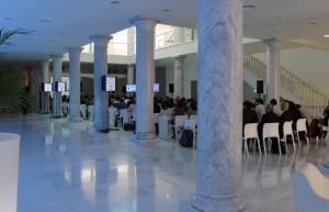 Palacio Neptuno columnas de mármol V2