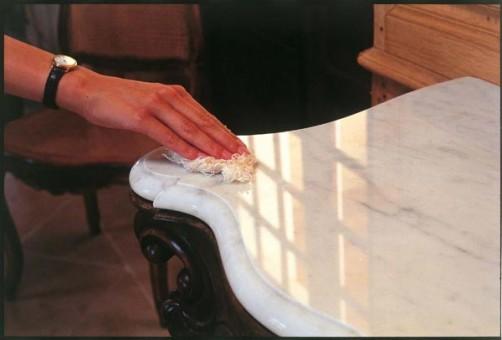 6 consejos para mantener y proteger una mesa de m rmol for Con que se limpia el marmol
