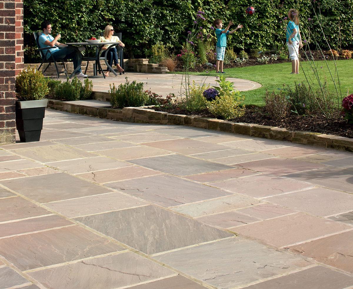 Cu l es la mejor piedra natural para el jard n todo - Suelos para jardines exteriores ...